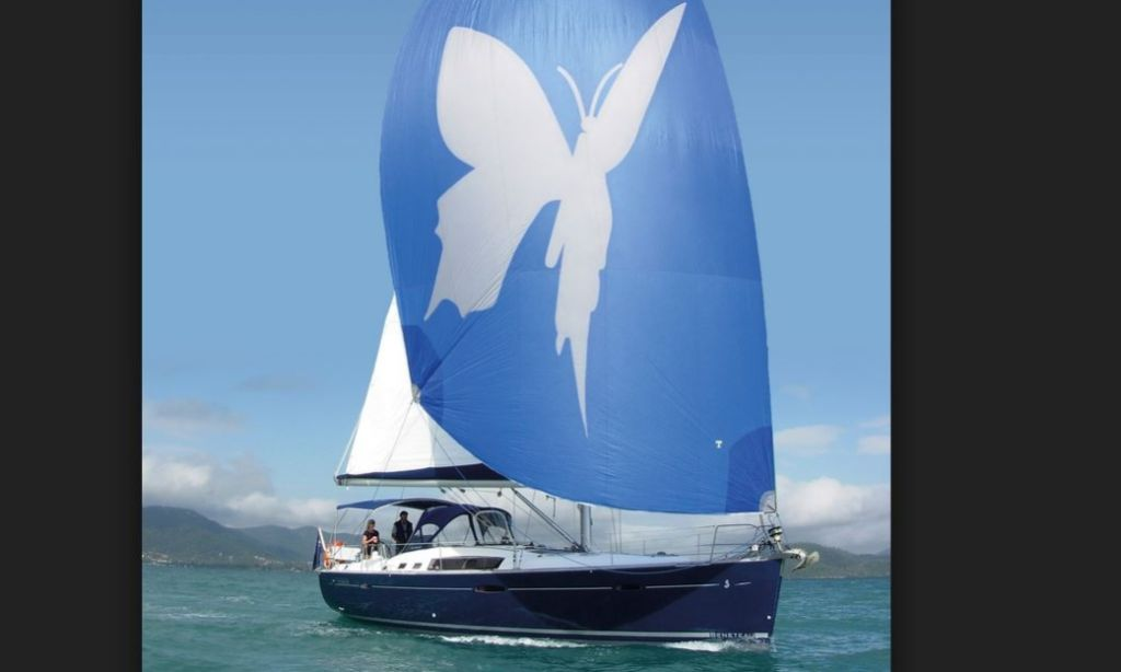 Cruise Coomera River On Papillon Beneteau Sailboat