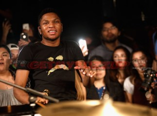 """LOS ANGELES, CA - NOVEMBER 03: Singer Gallant performs onstage at MTV's """"Wonderland"""" LIVE Show on November 3, 2016 in Los Angeles, California. (Photo by Mark Davis/Getty Images for MTV) *** Local Caption *** Gallant"""