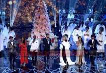 TARAJI'S WHITE HOT HOLIDAYS: (L-R) October London, Taraji P. Henson, Tyrese Gibson, Jussie Smollett, Andra Day, Candice Boyd and Ne-Yo perform at TARAJI'S WHITE HOT HOLIDAYS airing Thursday, Dec. 8 (8:00-9:00 PM ET/PT) on FOX. ©2016 Fox Broadcasting Co. CR: Frank Micelotta/FOX