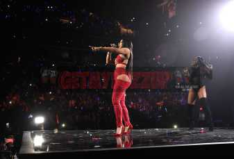 NEW YORK, NY - OCTOBER 17: Cardi B performs onstage during TIDAL X: Brooklyn at Barclays Center of Brooklyn on October 17, 2017 in New York City. (Photo by Kevin Mazur/Getty Images for TIDAL)