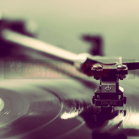 5 Things To Know Before Buying a Vinyl Turntable