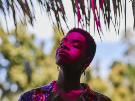 "ALBUM STREAM: AISHA BADRU (YONKERS, NY) SINGER-SONGWRITER RELEASES DEBUT ALBUM, ""PENDULUM"" [AUDIO]"