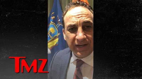 United Airlines Facing Imminent Lawsuit Over Suffocated Dog | TMZ