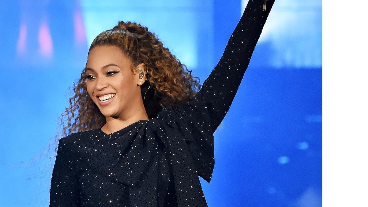 Beyonce Flaunts Her Killer Booty in Super Short Cutoffs