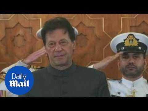 Cricket legend Imran Khan is sworn in as Pakistan's new prime minister - Daily Mail