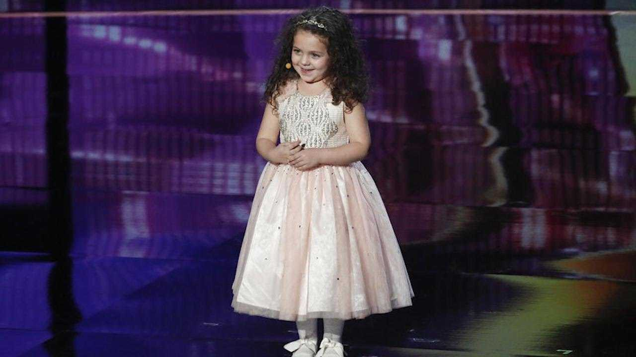 Watch Simon Cowell Hilariously Embarass His 4-Year-Old Son in Front of 5-Year-Old 'AGT' Contestant