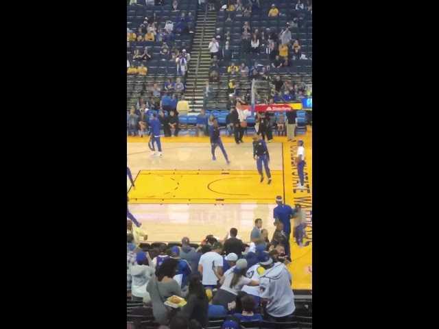 DeMarcus Cousins gets a standing ovation just by Warriors Fans