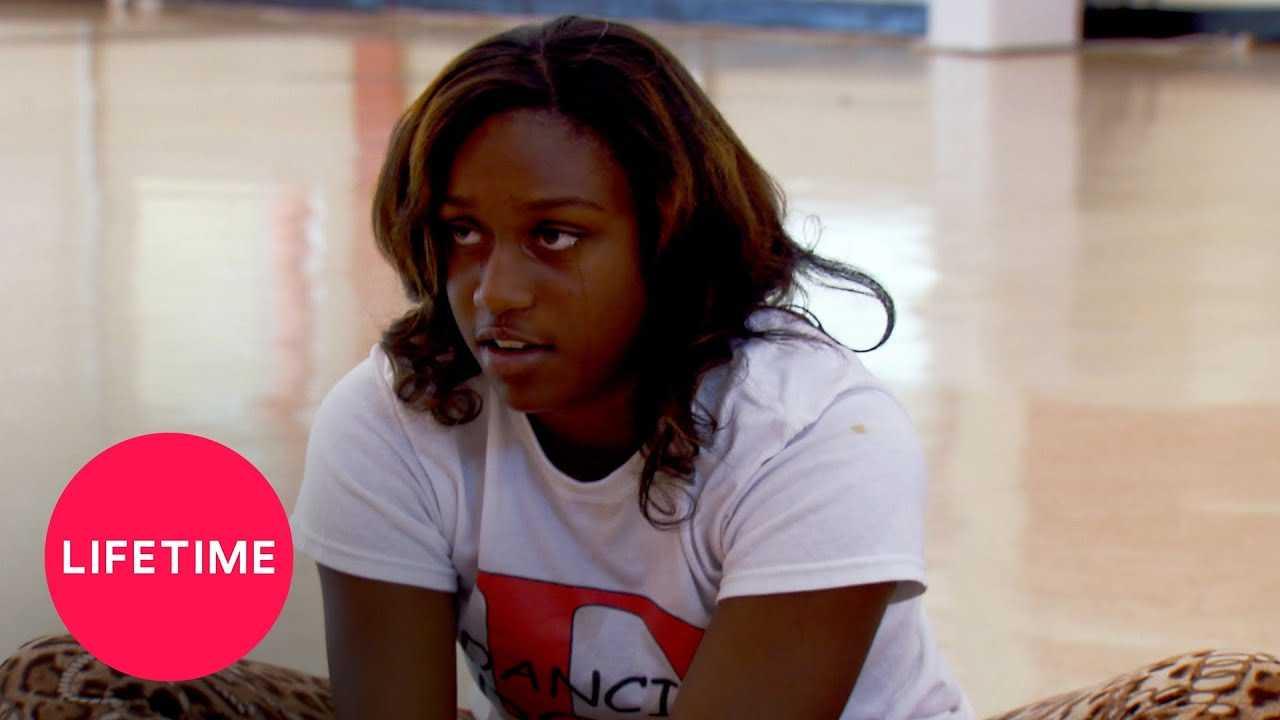 Bring It!: Kayla Is Nervous about Her Captain Solo (Season 1, Episode 1) | Lifetime