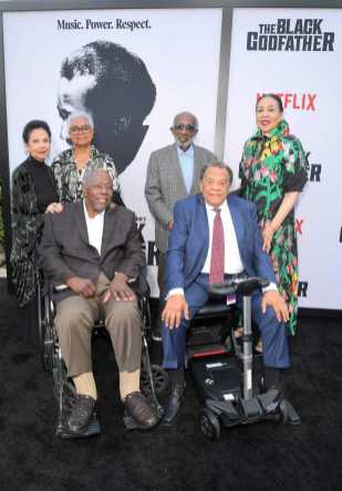 "LOS ANGELES, CALIFORNIA - JUNE 03: Billye Aaron, Hank Aaron, Clarence Avant Andrew Young and Carolyn Young attend Netflix world premiere of ""THE BLACK GODFATHER at the Paramount Theater on June 03, 2019 in Los Angeles, California. (Photo by Charley Gallay/Getty Images for Netflix)"