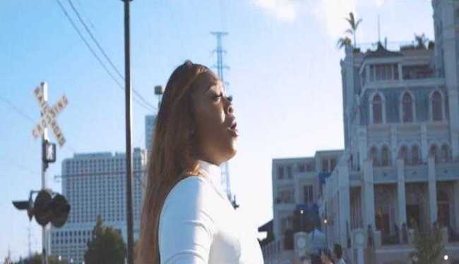 Jekalyn Carr – I SEE MIRACLES [Music Video]