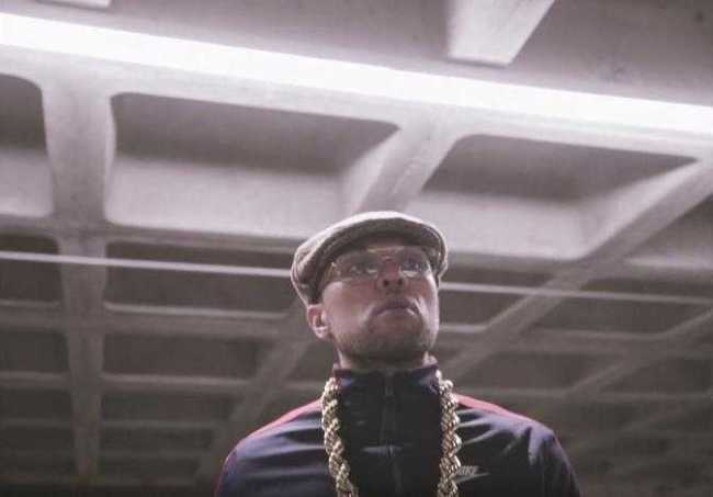 """Anthony Danza, takes Seattle back to the 80s in latest visual, """"G2G"""" [Music Video]"""