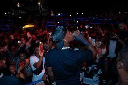The XXL Freshman and rising star ventures into the crowd to play hits from his Billboard Top 10 album Baby On Baby