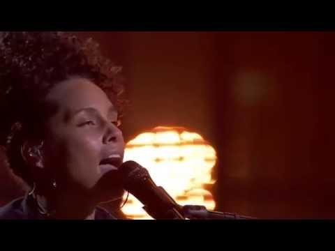 Alicia Keys Debuts New Song 'She Don't Really Care' in London