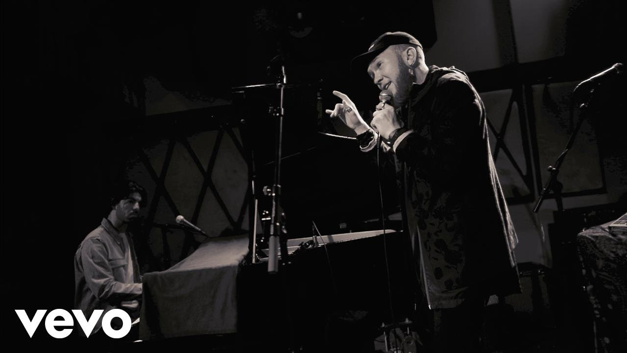 """Brayton Bowman Performing """"Kustom Made"""" Live From The Rockwood Music Hall [Video]"""