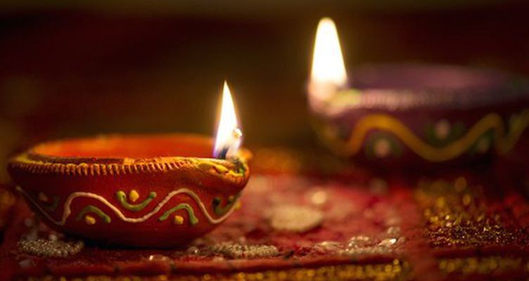 Light a Lamp this Diwali According to Astrology