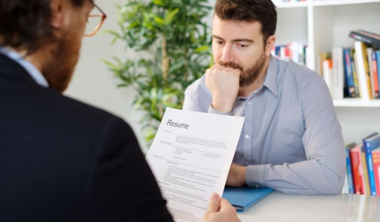 Things which recruiters hate to see in a resume