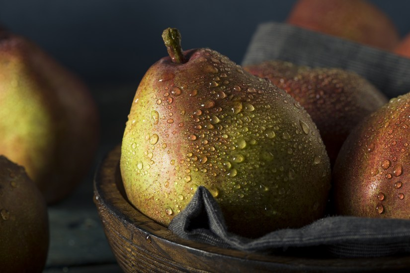 Pears are an excellent source of soluble and insoluble fiber, which are essential for digestive health.