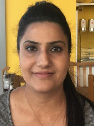 GRoW customer Harpreet finds work with Vision Express