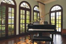 1903-lincoln-drive-piano