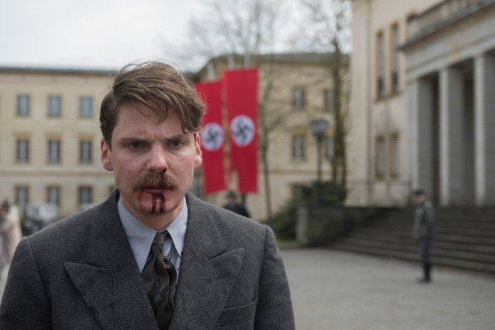 Alone in Berlin Daniel Bruhl