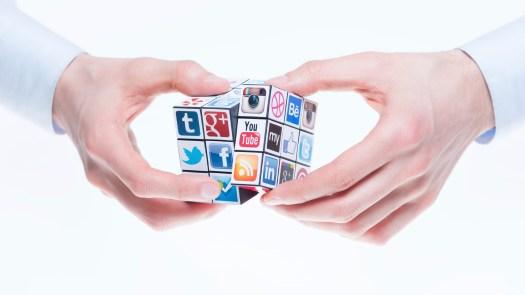 Social-Media-Active-Users-Liquid-Lock-Media-800x450 30 Facts & Statistics On Social Media And Healthcare