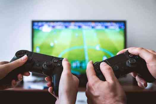 video games play playstation tv screen - Mitigating COVID-19 Risks With Virtual Classrooms