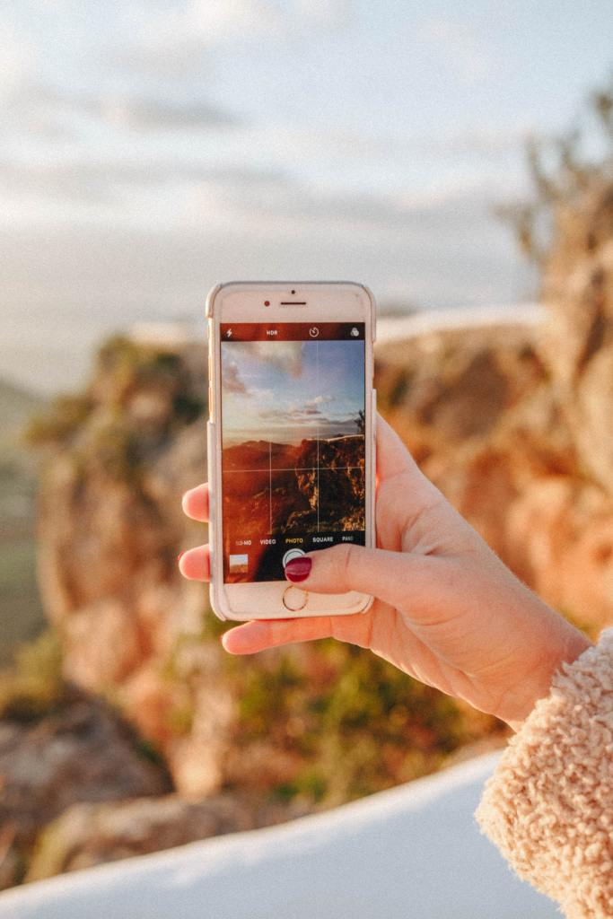 Enable the camera grid on your phone