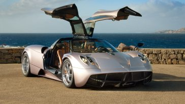 Pagani Huayra | 25 Expensive Cars