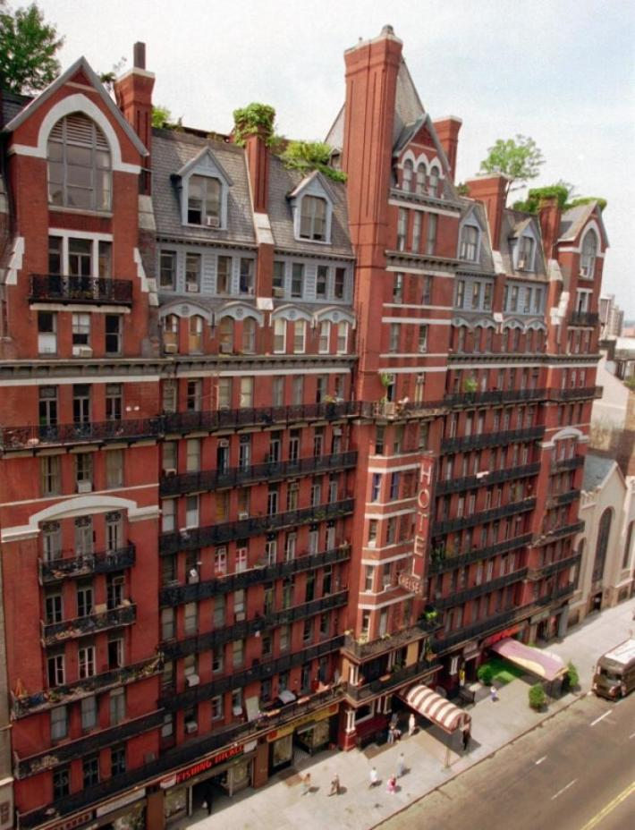 Hotel Chelsea, New York | 25 Most Haunted Hotels of the World