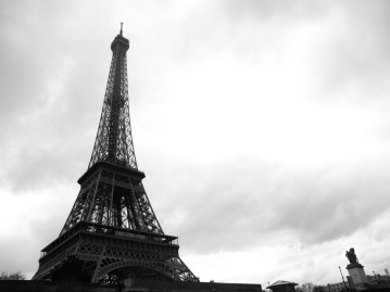 Tour Eiffel Via Le Seine