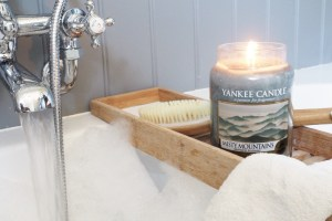 Scents for the Season – With Yankee Candle