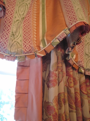 Closeup: small and large box pleats