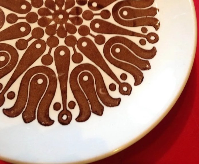 They really are the best cake plates.