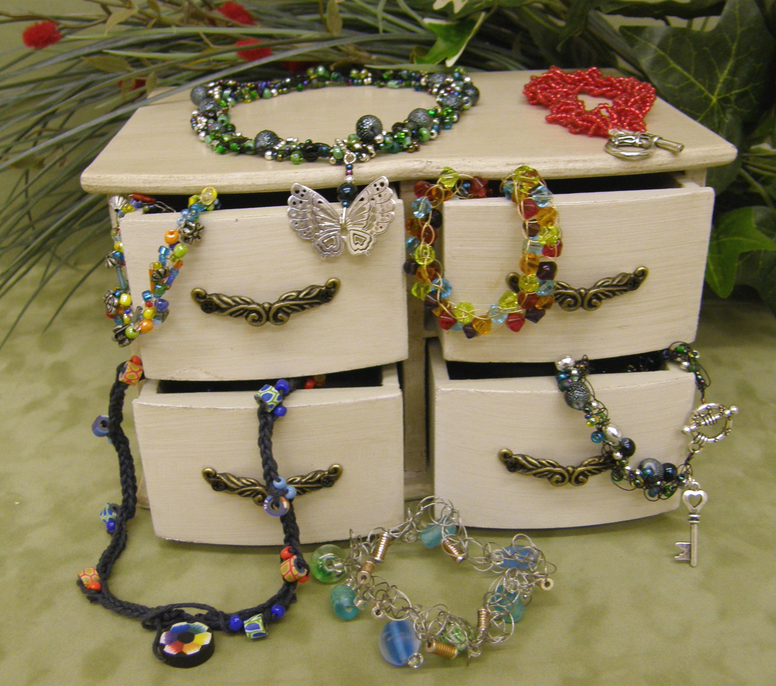 treasure-trove-of-loomed-jewels