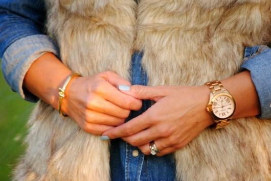 fur-vest-chambray-accessories