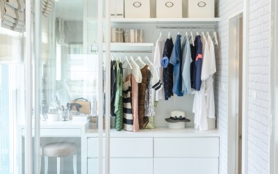 How to Clean Out Your Closet – Fast – And Keep It That Way