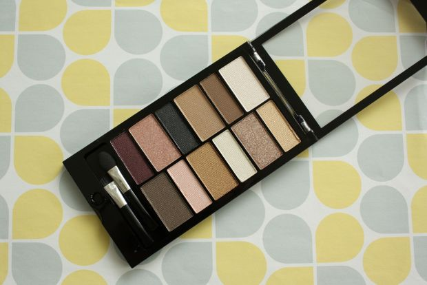 make up revolution eye shadow pallette (2)