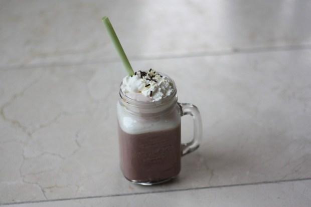 red-velvet-latte-4