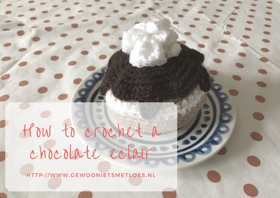 crochet a chocolate eclair
