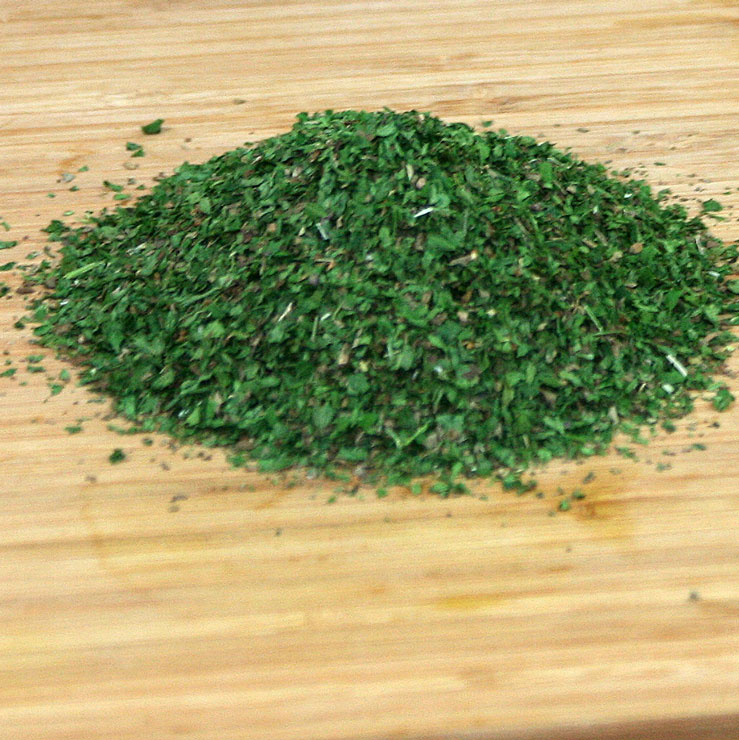 Ein Häufchen Salatkräuter Mix