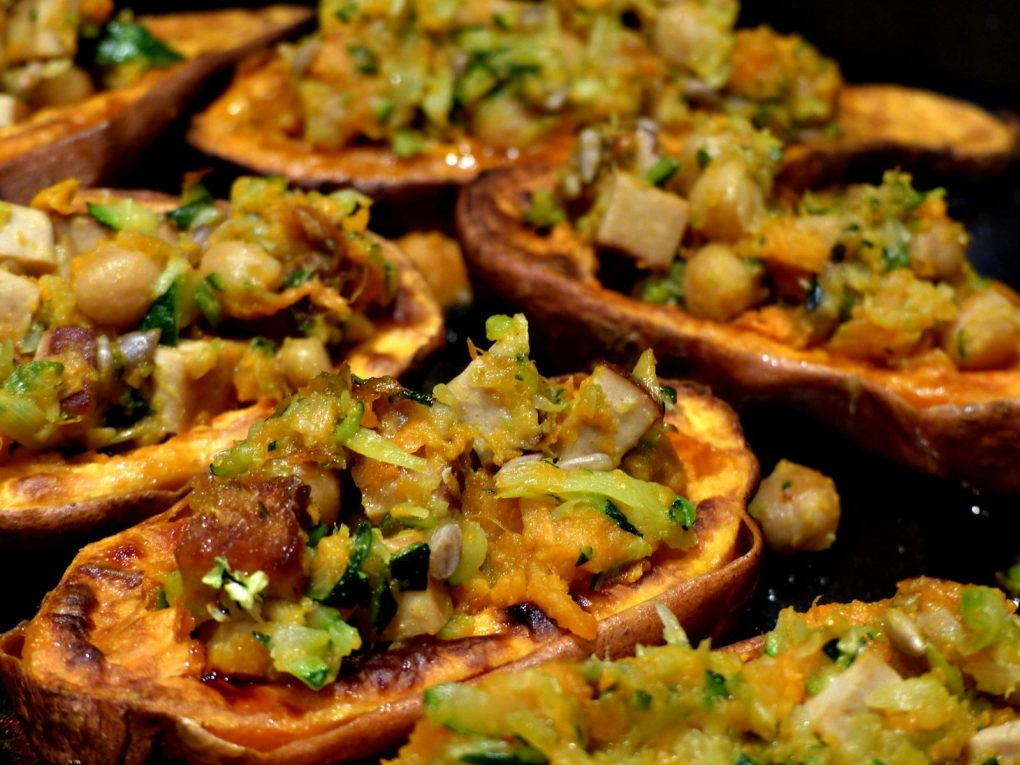Gefüllt Süßkartoffeln vegan Rezept Süßkartoffelschiffchen Guacamole