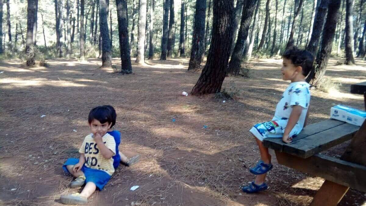 Aydos Ormanı Piknik yapan bebekler