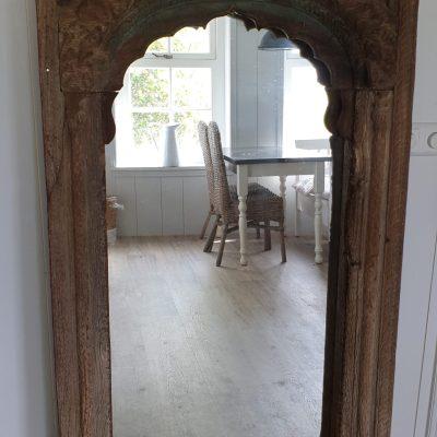 Spiegel oud venster India