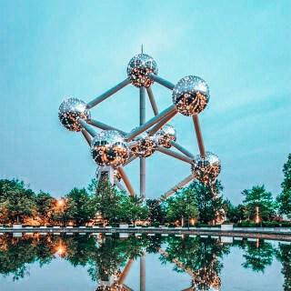 Brüksel'de gezilecek yerler - Atomium müzesi şekli atoma benziyor