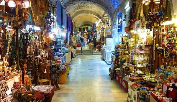 İzmir-Gezilecek-Yerler-İzmir-Kemeraltı-Çarşısı
