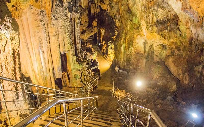 Mersin-Gezilecek-Yerler-Astım-Mağarası