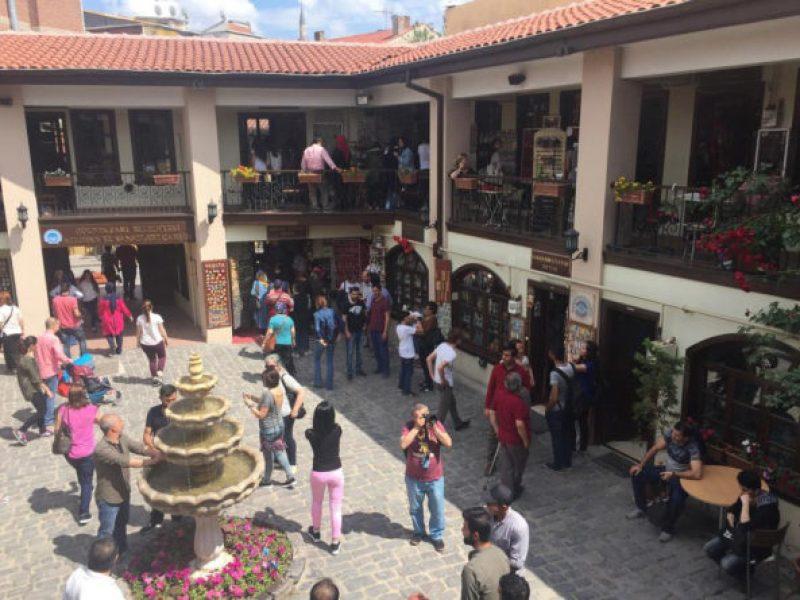 Eskişehir-Gezilecek-Yerler-Atlıhan-El-Sanatları-Çarşısı