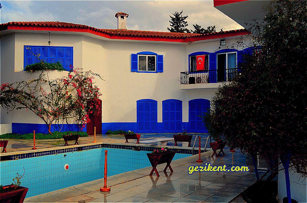 Kıbrıs'ın Beş Parmak Dağlarına Gizlenmiş Sırlarla Dolu Gizemli Evi; Mavi Köşk