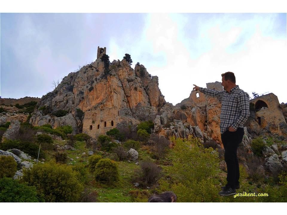 Kıbrıs Tarihi Yerleri-Saint Hilarion Kalesi