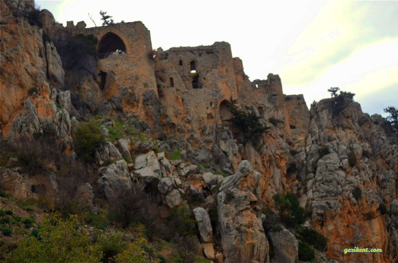 Kıbrıs'ta bir Kale; Saint Hilarion Kalesi